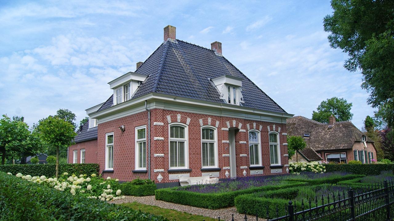 Enduiseur de façade  à Montcourt-Fromonville